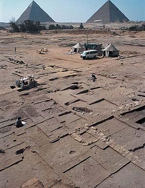 Who Built the Pyramids?   Harvard Magazine