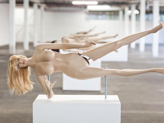 <i>Lisa II,</i> a sculpture that can crack nuts