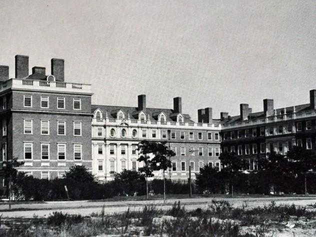 Gore Hall, 1913. The façade recalls Hampton Court.