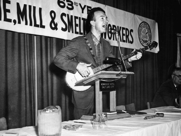 Seeger often sang at union rallies and meetings.