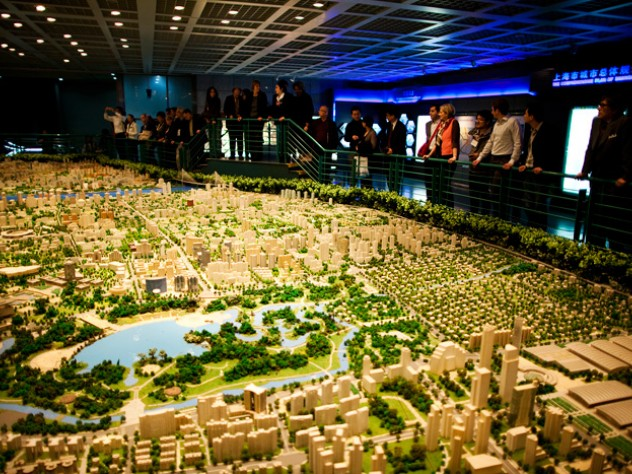 President Faust and GSD dean Mostafavi take in the city model at Shanghai Urban Planning Exhibition Hall (left) on March 19.