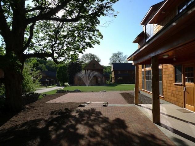 Nubanusit boasts old stone walls and gnarly oaks