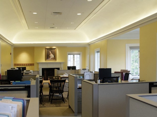 Radcliffe Rejuvenated: Days before Commencement, the Radcliffe Institute moved its administrative offices back into the newly renovated Fay House (shown here, the Atkinson Room, on the third floor). With the renovation of its main buildings now complete, the institute planned to redo its campus landscaping this summer.