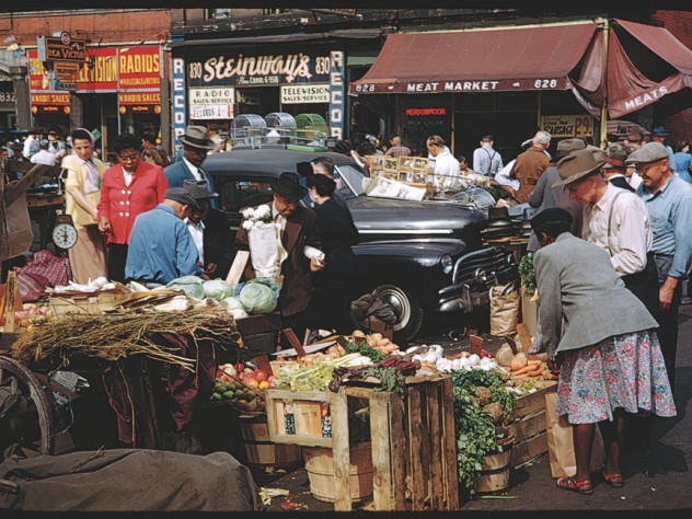 Charles Cushman's America, in Kodachrome: Newberry and Maxwell Streets, Chicago, 1950 </p>