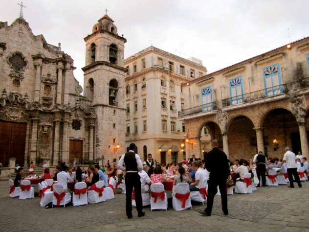 The Harvard-Radcliffe Orchestra's farewell dinner in Cathedral Square, Havana