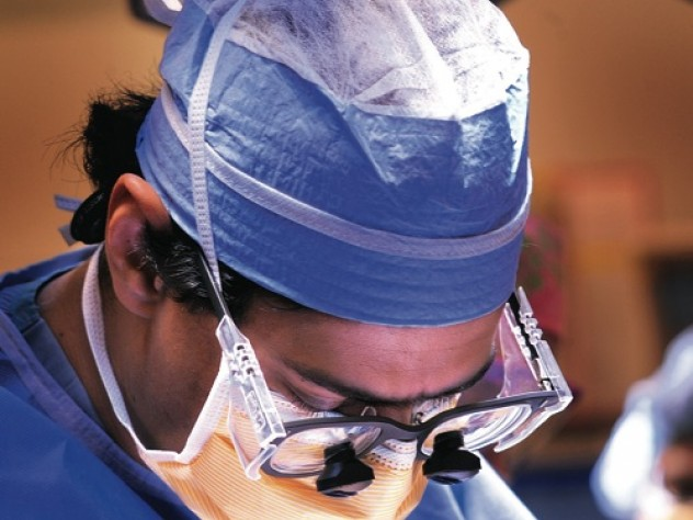 Gawande in the operating room.