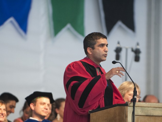 """Freshman"" dean of Harvard College Rakesh Khurana encouraged the freshmen to seek ""transformational"" experiences."