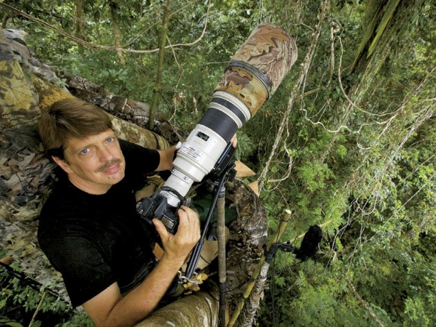 Photojournalist Tim Laman talks at the Harvard Museum of Natural History about his successful mission to capture on film all 39 known species of birds of paradise in the wild.