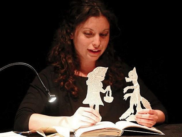 Michelle Finston telling Fairytale