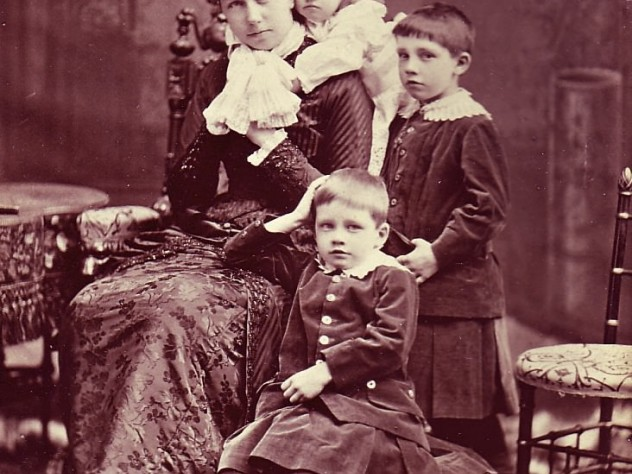Rosamond Warren Gibson with her three children (Charles Jr. is in front)