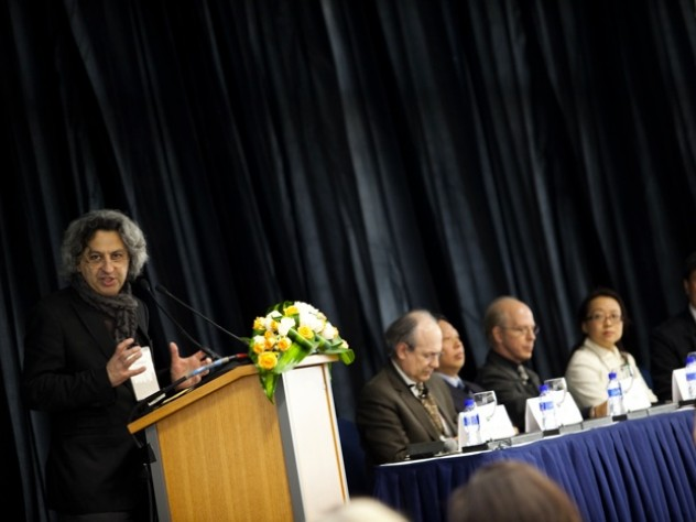 """Mohsen Mostafavi, dean of the Graduate School of Design, moderated the """"Architecture and Urbanism"""" panel discussion."""