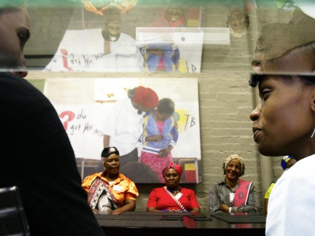 Foreground: Rogers and Thabethe. Background: Makhosi Memela, Makhosi Mbele, Makhosi Msomi.