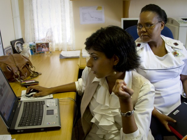"""As part of a research project at McCord, led by instructor in medicine Ingrid Bassett, project manager Senica Chetty (left) and research assistant Nompumelelo Matilda Mazibuko (right) are matching HIV patients with """"health system navigators"""" to help guide them through the multiple steps involved in treatment."""