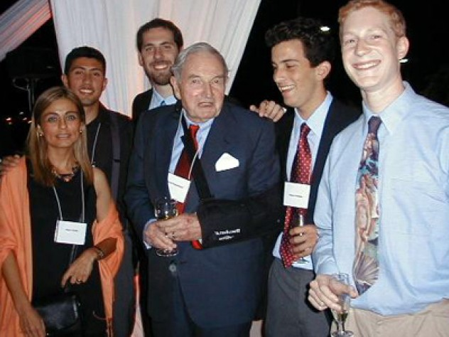 David Rockefeller meets Harvard students studying in Chile in 2003.